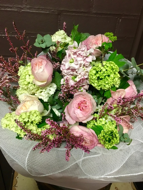 Green Hydrangea brides bouquet
