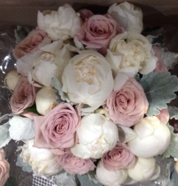 Peonie and Roses Wedding
