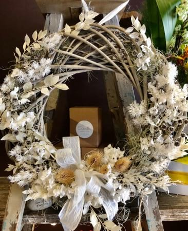 Wonderful White Christmas Wreath
